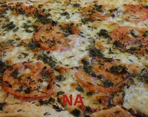 zelf_pizza_maken_mozzarella_tomaat_na